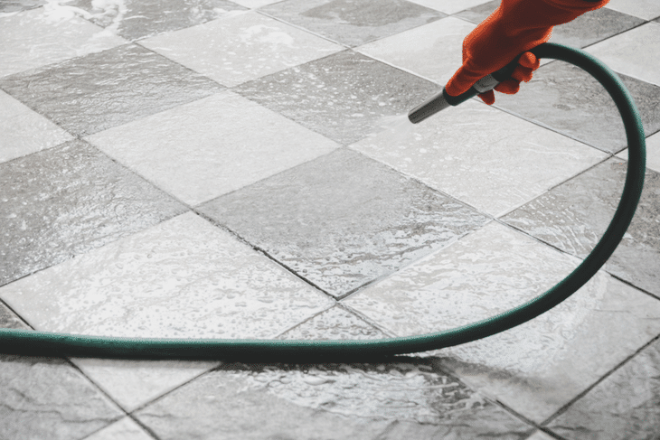 using a small size diameter pressure washer hose is the most suitable