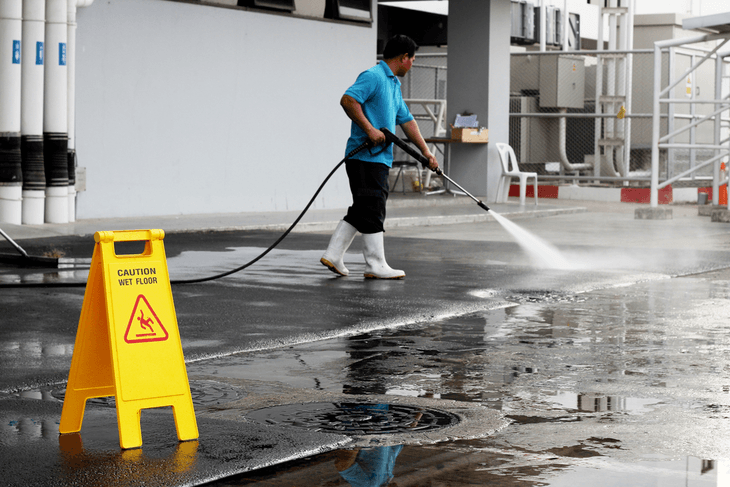 A pressure washer used in industrial purposes uses much more water as compared to a unit that is intended for residential use